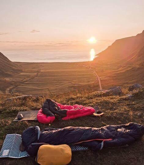 Yaz kamplarında ve diğer kamplarda uyku tulumu çok önemlidir. Uyku tulumu seçimine özen gösterilmezse sorunlar yaşanabilir.